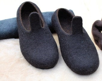 Felt slippers for woman - women house shoes - wool home shoes - handmade wool slippers - black brown - christmas gift for her