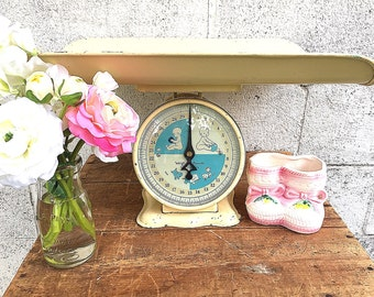 Nursery Scale | Vintage Baby Scale | Painted Metal Infant Scale with Tray | Retro Baby Photography Prop | Gender Neutral |