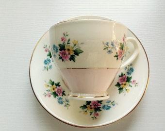 Beautiful Floral Pink Vintage Teacup