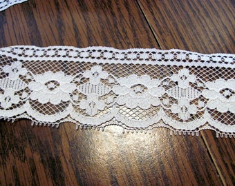Ecru Nylon Lace for Sewing Projects / Over 13 yds Vintage Ecru Nylon Lace / Bargain Bulk Lace