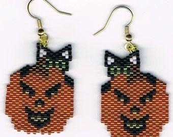 Hand Beaded Jack O Lantern Pumpkin with crouching kitty earrings