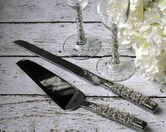 Clear Beaded Wedding Cake Server Set & Toasting Flutes TABLE SETTING, champagne flute, bridal gift, custom, knife set, special occasion