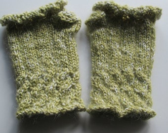 Sparkly Green Cable Knit Mitts