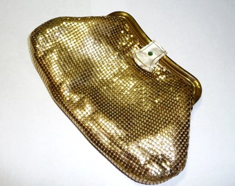 Vintage Whiting & Davis USA Gold Mesh Evening Clutch Purse on Etsy by FUNNYFARMS