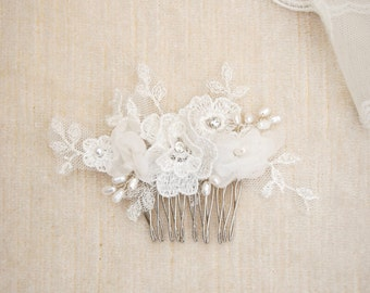 Flower lace and pearl hair comb, bridal lace headpiece, floral hairpiece, bride accessories, garden wedding, beaded hair brooch - #225