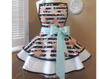 Floral Stripe Print Woman's Retro Apron With Tiered Skirt And Bib