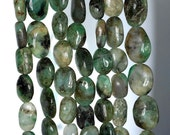 10x7-17x13mm Natural Emerald Gemstone Green Pebble Nugget Loose Beads 13.5 inch Full Strand (90184943-899)