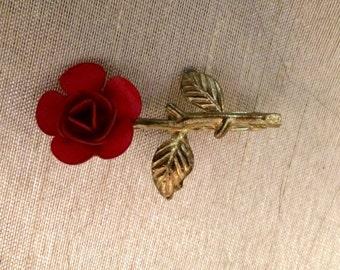 Vintage Red Rose Brooch Pin Goldtoned Metal