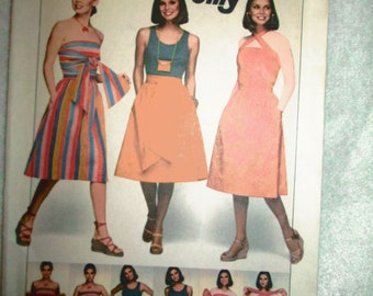 1977 Ladies Simplicity Pattern MULTI-WRAP Dress/Skirt