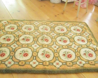 A  RESERVED  Fabulous shabby chic  wool  latch hooked rug  roses shabby decor prairie