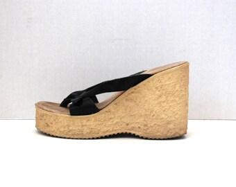 SBICCA......Black Leather Buckle Strap Platform Shoes Size 7