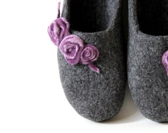 Mothers day gift - Woman wool slippers handfelted from natural grey wool decorated with purple felt roses