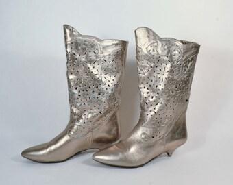 Vintage 80s Silver Leather Cut Out Metal Studded Punk Rocker Boots/Grunge Punk Raver Kitten Heel Atomic Boots SZ 7 1/2