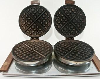 1940s Waffle Iron, Vintage Knapp Monarch Waffle Iron, Antique Waffle Iron