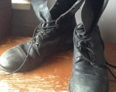 Vintage Vietnam era black leather steel toed Military boots size narrow 9 1/2