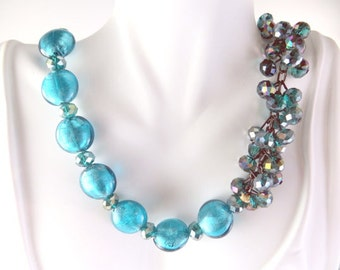 Blue beaded jazzy necklace