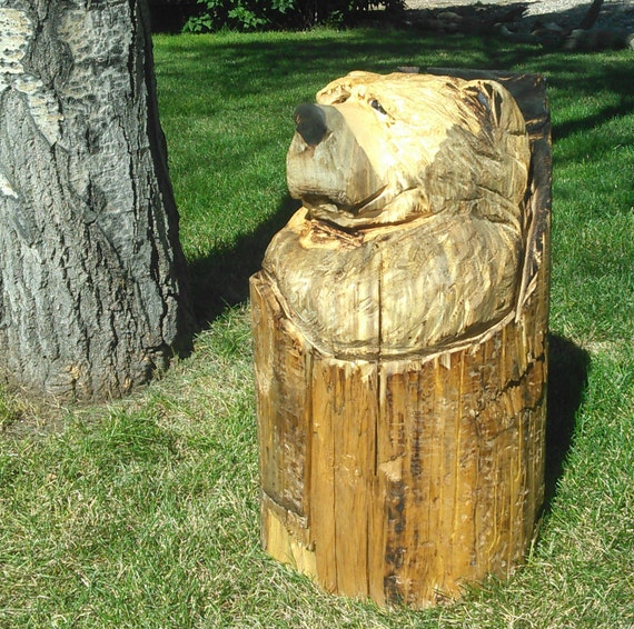 Chainsaw carved bear carving wood