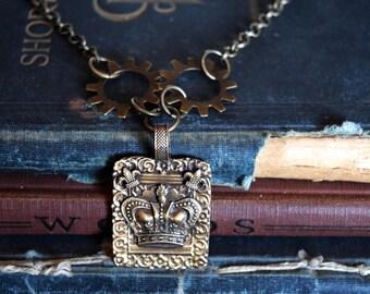 Steampunk Jewelry, Steampunk Necklace, Gear Jewelry, Crown Pendant, Crown Necklace, Gear Necklace, Steampunk Gears, Steampunk Crown Jewelry