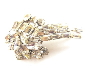 Rhinestone Brooch Classic Clears Variety of Cuts Shooting Star Comet Design
