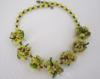 Vintage glass flower floral garland necklace. yellow necklace. floral necklace; flower jewelry.