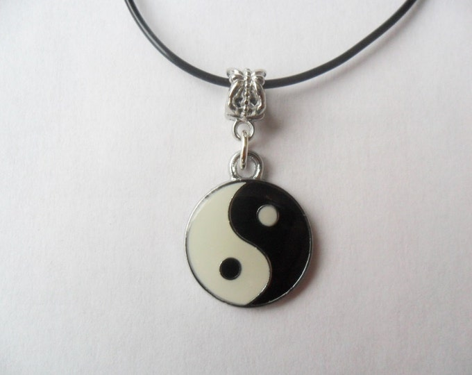"""Yin yang charm necklace that is adjustable from 18"""" to 20"""""""