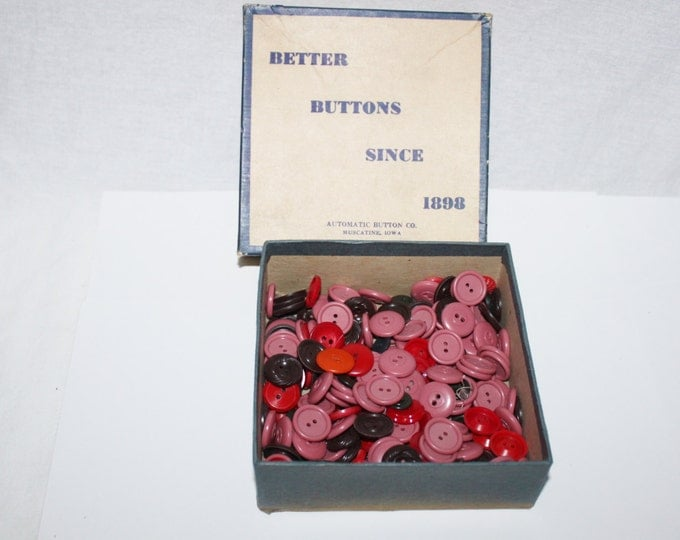 Vintage buttons, Mixed Lot Vintage Red, Pink, Mauve, Brown Buttons, Sewing, Craft, Jewelry, Scrapbooking
