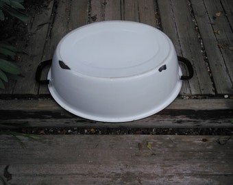 Vintage Enamelware White with Black Trim Wash Basin or Enamelware Wash Tub - Enamelware Beverage Tub