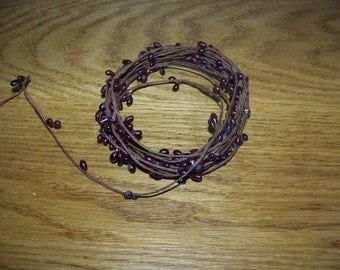 Primitive Dark Burgundy Single Ply Pip Berry Garland 18 Feet