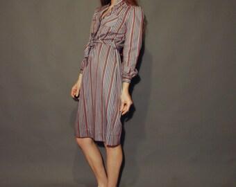 Vntg shift dress 80s women's knee length skirt work dress 1980 fashion clothing  purple stripes