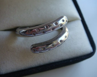 Unique Diamond Chip Wrap Ring