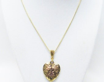 Beautiful Flower Etched Gold Plated Heart Necklace