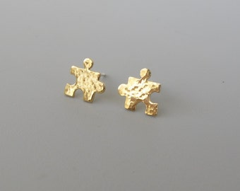 gold puzzle stud earrings ,mini tiny  Gold Post Earrings- Hammered puzzle 8 mm
