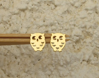 gold Owl stud earrings ,mini tiny  Gold Post Earrings- Hammered Owl 10 mm