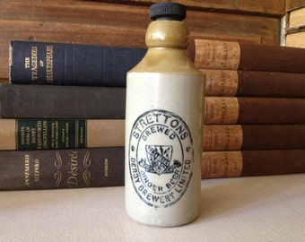English Pottery Stoneware Bottle, 1800s Strettons Ginger Beer Pint, Derby Brewery England, Coat of Arms Crest Stamp Original Lid