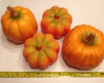 set of 4 large pumpkins, 80 - 100 mm (BR30)