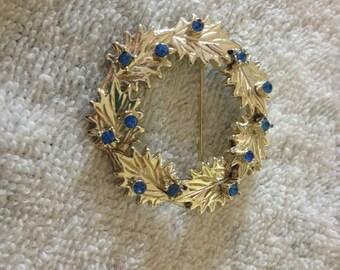 Vintage Silvertone Wreath Design with Blue Gemstone Pin/Brooch