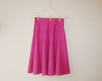 Vintage Gored Skirt/Fuchsia Skirt/Knee Length Skirt/Size M/Eastern Germany Vintage/Soviet Union Vintage/1980s Style