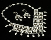 Studded Bib Necklace & Earrings Set Vintage 70s In Bright Silver Tone
