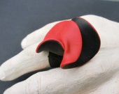 Black red wavy Fimo ring on black ELASTIC BAND/ Big swirly polymer clay ring/ 2 sides black and red, sewn on elastic band