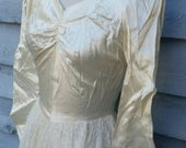 Satin Ivory Lace 40s Long Sleeve Cinderella Wedding Gown XS/S