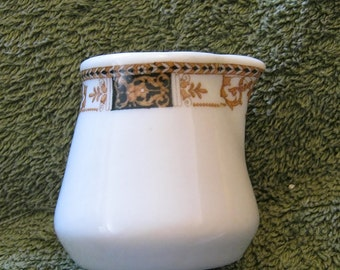 Webster railroad hotel restaurant individual creamer by Syracuse 2 inches tall Pristine