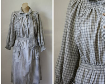Vintage Cotton Flannel Day Dress / 1970s Long Sleeve Modest Dress / Fall Frolic Frock / Checkered Gingham Dress / Office Dress M/L