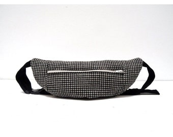 Black and white houndstooth printed bumbag