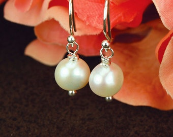 Freshwater pearl, pearl earrings, freshwater pearl earrings, classic design, timeless, beautifully packaged, hostess gift