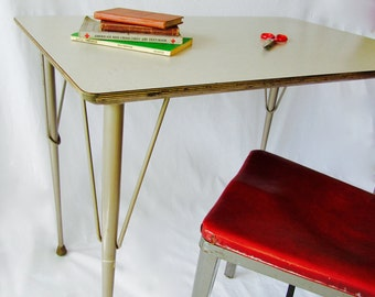 Brunswick Table,  School Furniture, Writing table