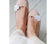 Medium White iridescent  Glitter Heart Shoe Clips, White Holographic Wedding Shoe Clips, Glitter Heart Shoeclips