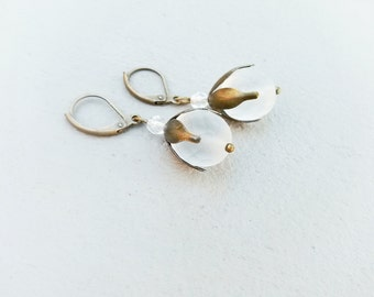 Bridal earrings,Vintage style art deco Bridal drop earrings,bridesmaid earrings,Frosted wedding earrings,White unique earrings