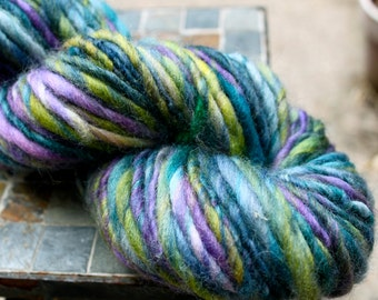 Handspun Bulky Yarn, Corriedale Yarn, Gentle Thick and Thin, Corriedale 80 yards