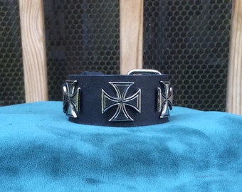 Black Leather wristband with silver Crosses