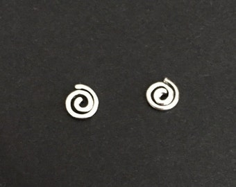 Tiny Sterling Silver Swirl Earrings. Little Swirl Studs. Sterling Silver Earrings. Delicate Circle Swirl Studs.Gift for Her.Simple Earrings